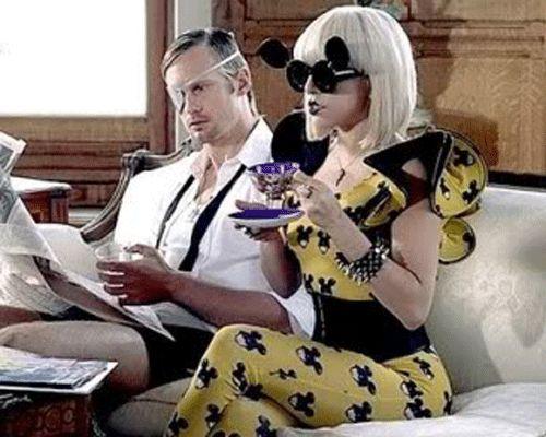 Google Afbeeldingen resultaat voor http://fashionbombdaily.com/wp-content/uploads/2010/01/Gaga-Jeremy-Scott.gif