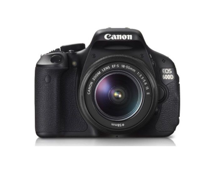 Canon DSLR 600D by Canon. Equipped with Image Stabilizer feature, but do not worry when buying these products in our store, because the products we sell have been equipped with the IS feature that ensures your comfort when taking photos / vidoe without the worry of the images blurry / blur / video results shaking. http://www.zocko.com/z/JKQ4v