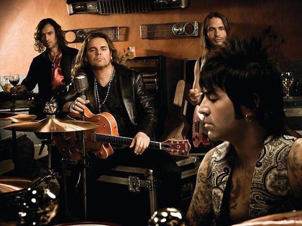 Mana - Es una banda de pop rock mexicana fundada en 1987 en Guadalajara…