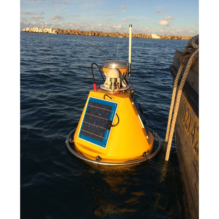 The OMC-7006 data-buoy is ideal for environmental monitoring projects. It is specifically designed for the measurement of hydrological parameters in lakes, rivers, estuaries and coastal zones. The OMC-7006 is often used near dredging sites to monitor the impact of the dredging activities.