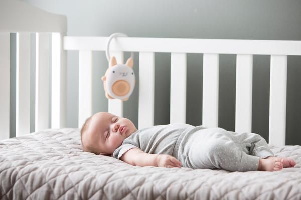 Play lullabies, send voice messages, or soothe rain or beach sounds with the SoundBub portable white noise machine.