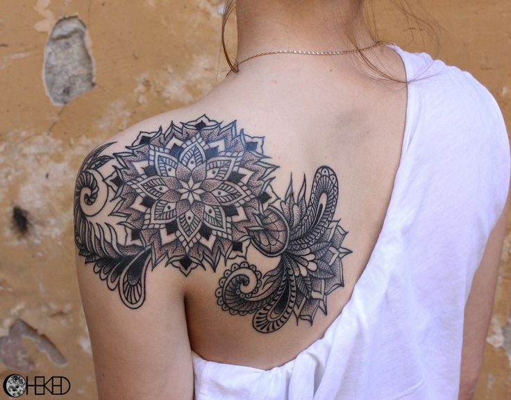 37 best ornamental shoulder tattoos for women images on pinterest tattoo on shoulder blade. Black Bedroom Furniture Sets. Home Design Ideas