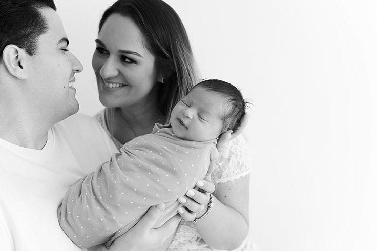 Newborn | Alice, 15 dias | uma bebezinha linda - Laura Alzueta | Photo Alice, esta bebe recém-nascida nos deixou fazer milhões de poses e fotos newborn lindas!!