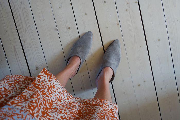 Dessa skor! Högg direkt när Mumbai Cecilia la upp dem på sitt Instagram. Och jag var inte ensam. Cecilia och hennes kollegerfick helt enkelt starta produktion av dessa ljuvliga skor. Eller Babouche som de heter. Och så känner man sig lite som man är med i Tusen och en natt. Tjusigt ju! Älskar allt Cecilia …