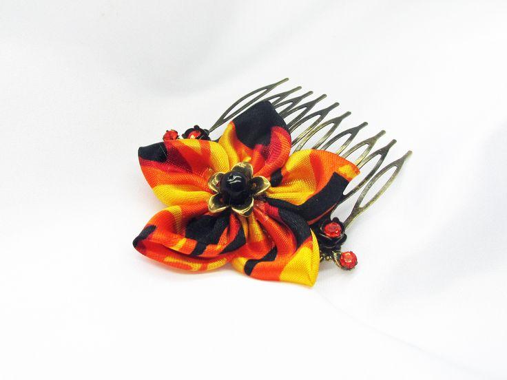 Peigne fleur satin et perles orange et noires:accessoire coiffure fait main : Accessoires coiffure par murielcrea