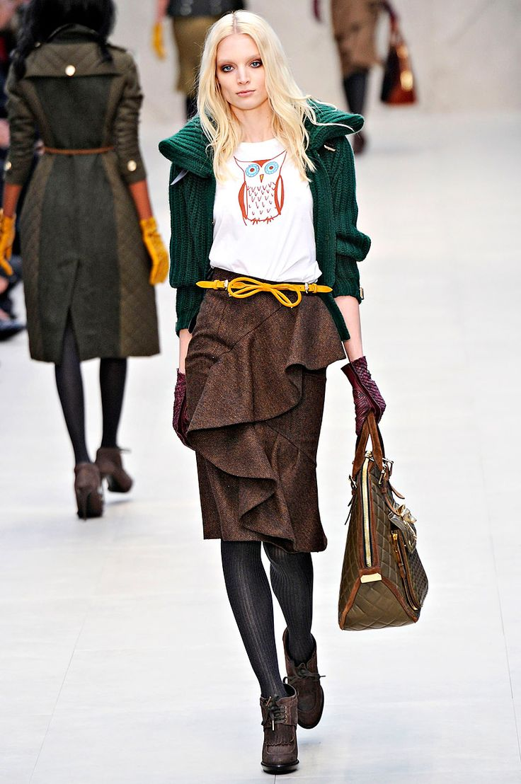 Burberry Fall 2012 RTW. Owls, rich green and brown... I <3 this collection