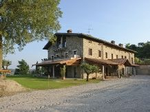 This ancient stone farmhouse dates back to the 16th century and has a wonderful view over Lake Garda. The property has a number of spacios #apartments and an outdoor heated #pool. www.cascinacrocelle.it  #gardalake #gardasee #gardameer #Agriturism #GardaLake, #lakeview, #pool, #kids #playground, #enoteca, #relax #agritur #farmhouse