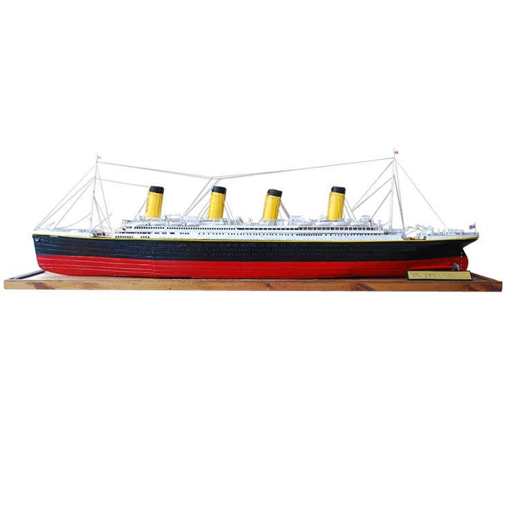 Titanic - a large scale model with exquisite detail