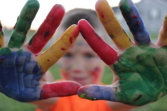 I coloratissimi bambini che giocano...