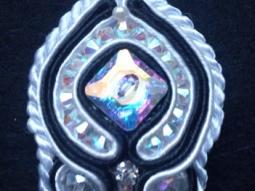 pendentif soutache avec perles et bouton swaroski • Hellocoton.fr