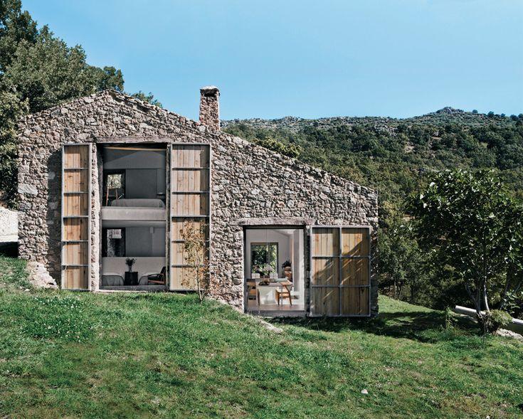 Casa de pedra, nascida das ruínas de um estábulo na Espanha - Casa