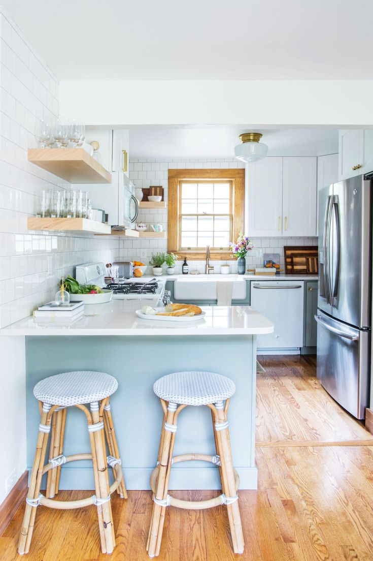 Before & After: This Peach Kitchen Had One Great Thing Worth Saving