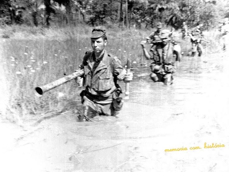 Portuguese Troops on Patrol - African Colonial War 1961/74