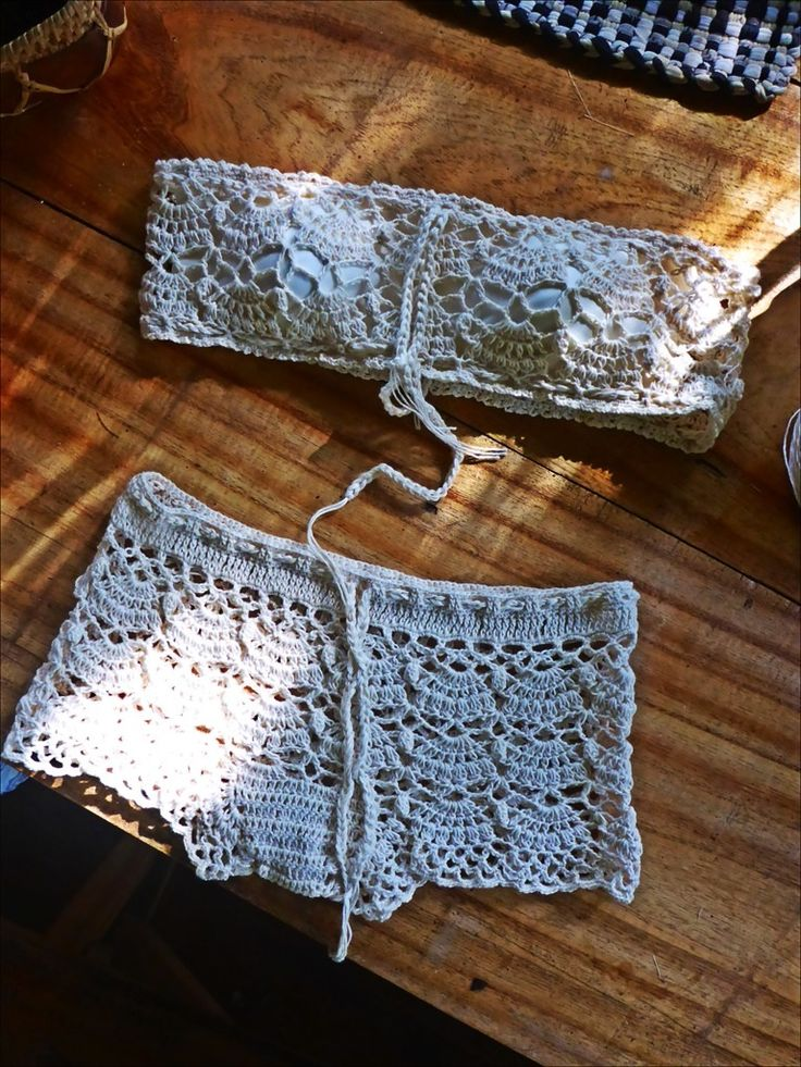 The finished bandeau and boyshorts. Bandeau with lining and soft cups.