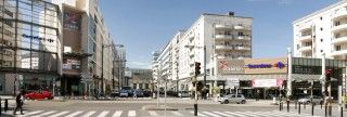 #Signalétique extérieure du centre commercial Saint Quentin en Yvelines, conçue par l'agence de design #AKDV et réalisée par #Megamark http://www.megamark.fr