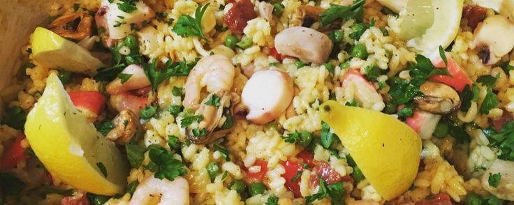 Paella: een super gezond, ontzettend gevarieerd en onwijs lekkere maaltijd. Het recept is te vinden op www.puurnatural.nl