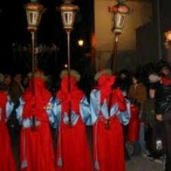 Settimana Santa. Riti e tradizione nella settimana che precede la pasqua. Processione dei misteri a Gallipoli tra i vicoli del centro storico