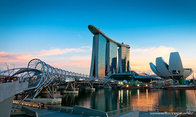Marina Bay Sands in Singapore. The surfboard on the roof ...