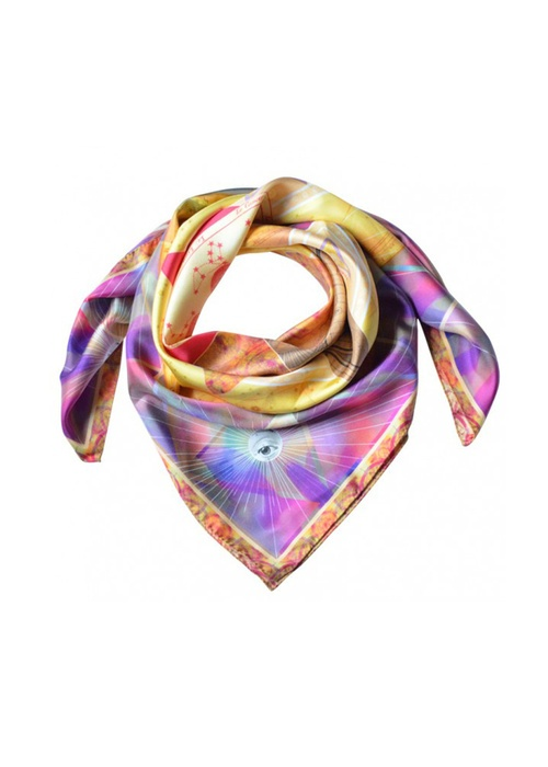 Un foulard ésotérique. Pour plus d'idées cadeaux, téléchargez l'appli Glamour WishList https://itunes.apple.com/fr/app/glamour-wishlist/id576957825