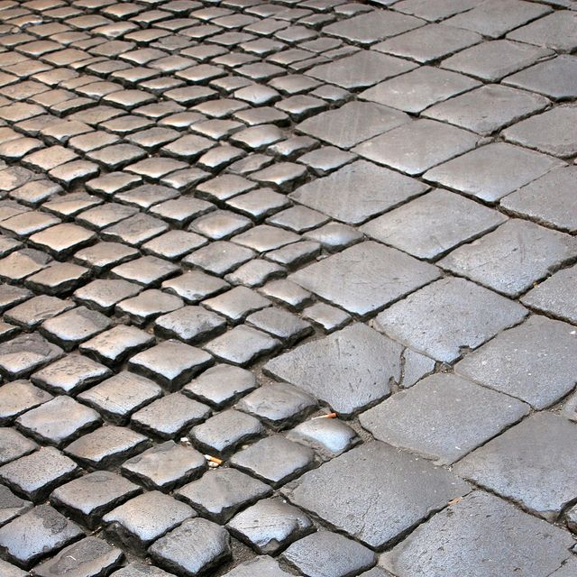Variations of scale - Roman paving stones