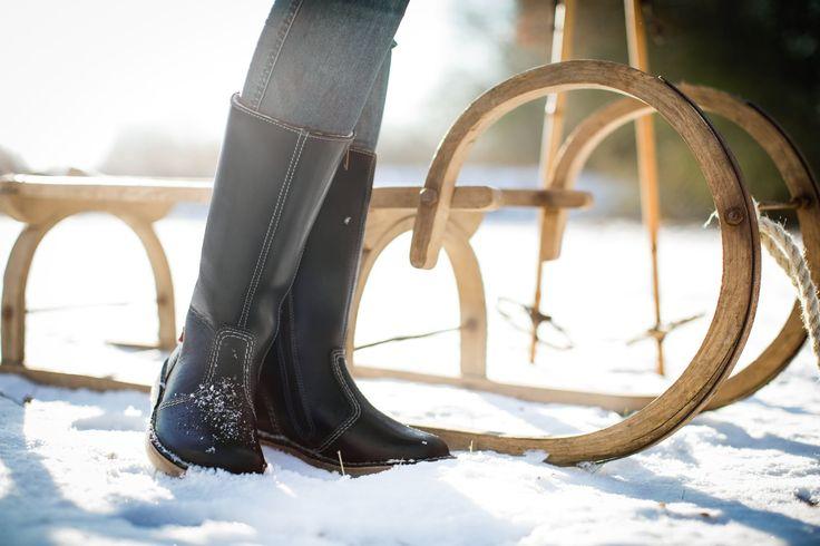 Gefütterte Stiefel anziehen und auf zum Schlitten fahren. #duckfeet #stiefel