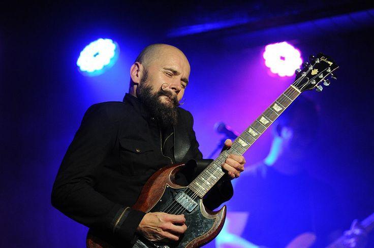 Mika Vandborg sammen med Electric Guitars i Det Bruunske Pakhus i Fredericia.