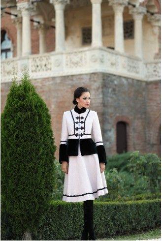 Sacou Stofa Dama Romanesc Pipit cu negru din lana - Viata