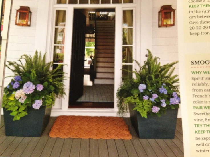 Front porch flowers for summer flower arrangements pots for Outdoor decorating with potted plants