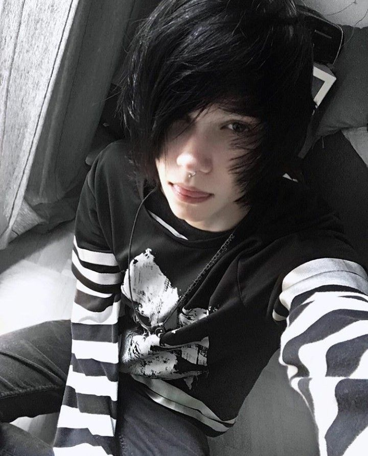 Pin By Lili On Emo Boys In 2019  Cute Emo Boys, Hot Emo