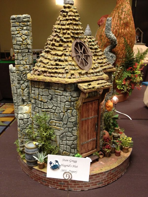 greggsminiatureimaginations - would be a great gingerbread house also
