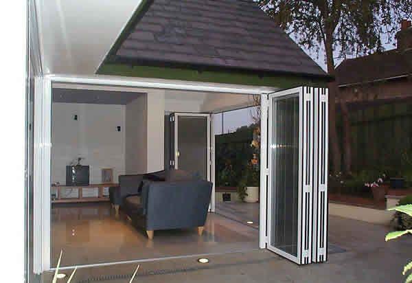 the 25 best baie vitr e coulissante ideas on pinterest. Black Bedroom Furniture Sets. Home Design Ideas
