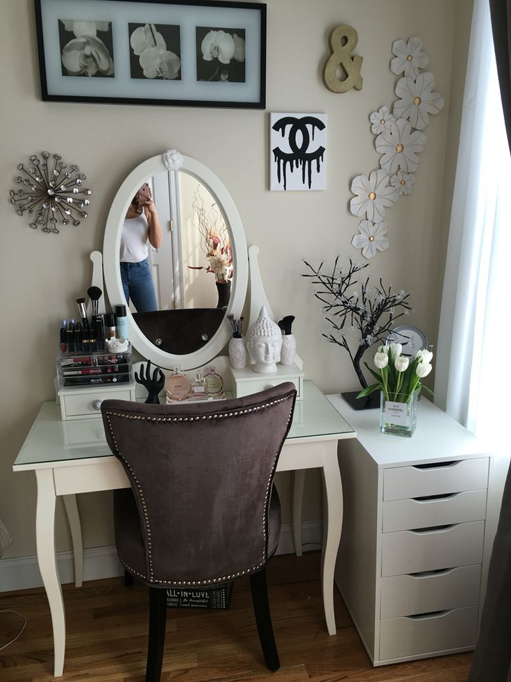 Vanity ikea hemnes vanity home decorating pinterest for Ikea hemnes vanity table
