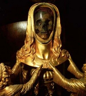For centuries people have believed that this is the skull of Mary Magdalene, found in a crypt beneath a small church in France. But how did it get there? http://www.cultofweird.com/death/skull-of-mary-magdalene/