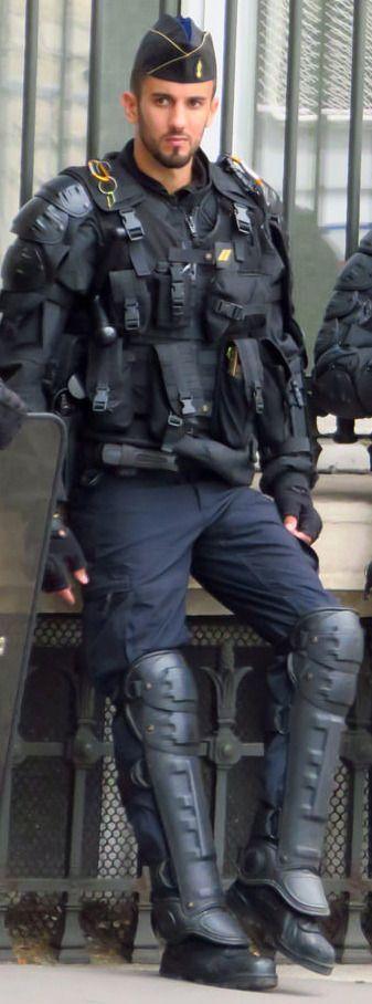 "motox-ch: ""knightsandprey: ""A Knight in casual gear. "" hot police lad """