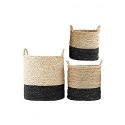 """Kurv """"Main"""" - Lækker fletkurv i natur og sort fra House Doctor.  Brug den til opbevaring af fx tæpper, sutsko, huer/vanter og strikketøj.  Findes i 3 forskellige størrelser : S, M og L."""