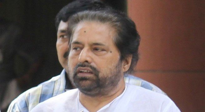 Rose Valley Scam: CBI Arrests Trinamool Congress MP Sudip Bandhopadhyay   Trinamool Congress Lok Sabha MP Sudip Bandyopadhyay was arrested on Tuesday by the CBI for his alleged involvement in Rs 60000 Cr Rose Valley group chit fund scam.  CM Mamata Banerjeequestioned that if Sudip Banerjee could be arrested why could Babul Supriyo not be arrested. She even demanded the arrest of Amit Shah and Narendra Modi and Rahul Sinha. She has arranged for an emergencymeeting with her members of the…