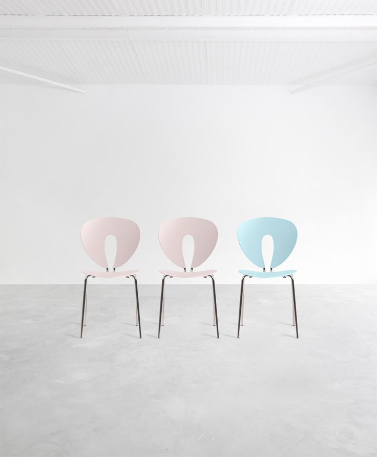 LOVING THE PANTONE COLORS 2016 The colors selected for 2016 will be Rose Quartz & Blue Serenity. And you can already enjoy them in the Globus Colouricious collection! GLOBUS: www.stua.com/eng/coleccion/globus.html