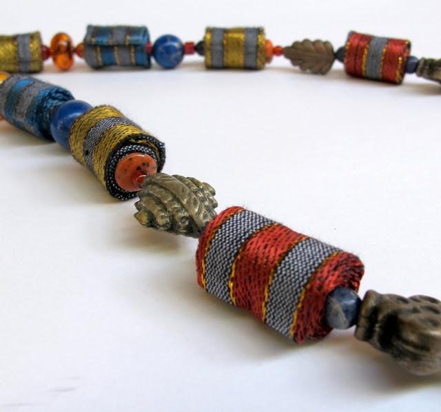 Oriental fantasy Damask fiber necklace
