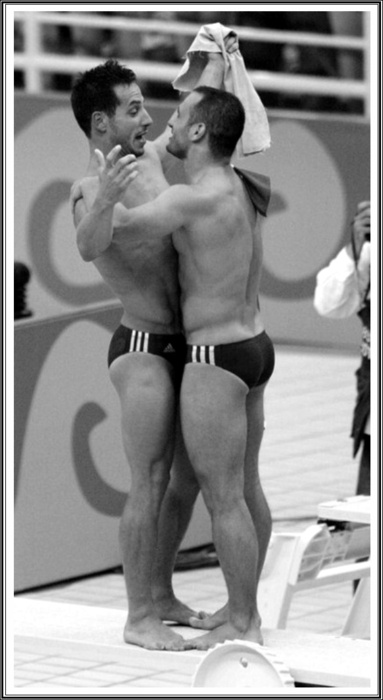 Okay sorry everyone for the gayness but I think this is adorable. Diving gay lovers. Dawwwwwh <3