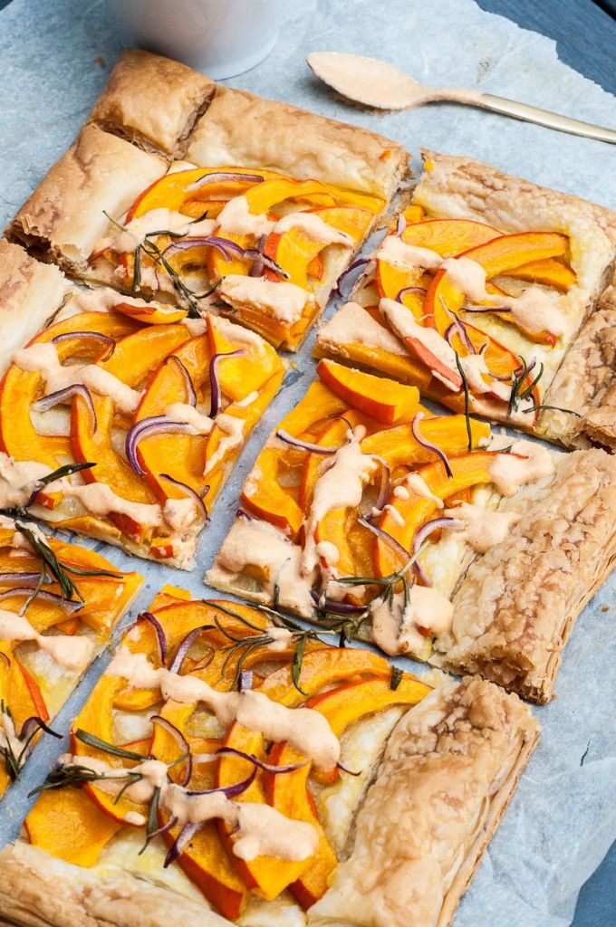 Easy Savory Pumpkin Tart Recipe | VeganFamilyRecipes.com | #hokkaido #potimarron #thanksgiving #fall #holiday #puff pastry #dinner #entree