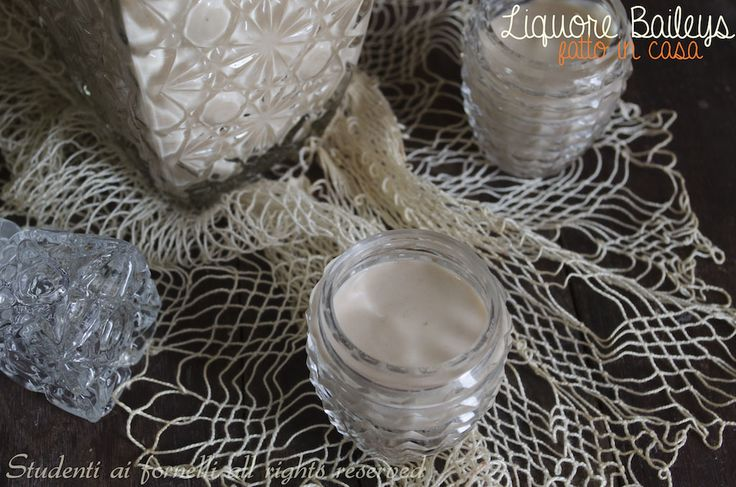 Crema di whisky baileys fatto in casa http://blog.giallozafferano.it/studentiaifornelli/crema-di-whisky-baileys-fatto-in-casa/