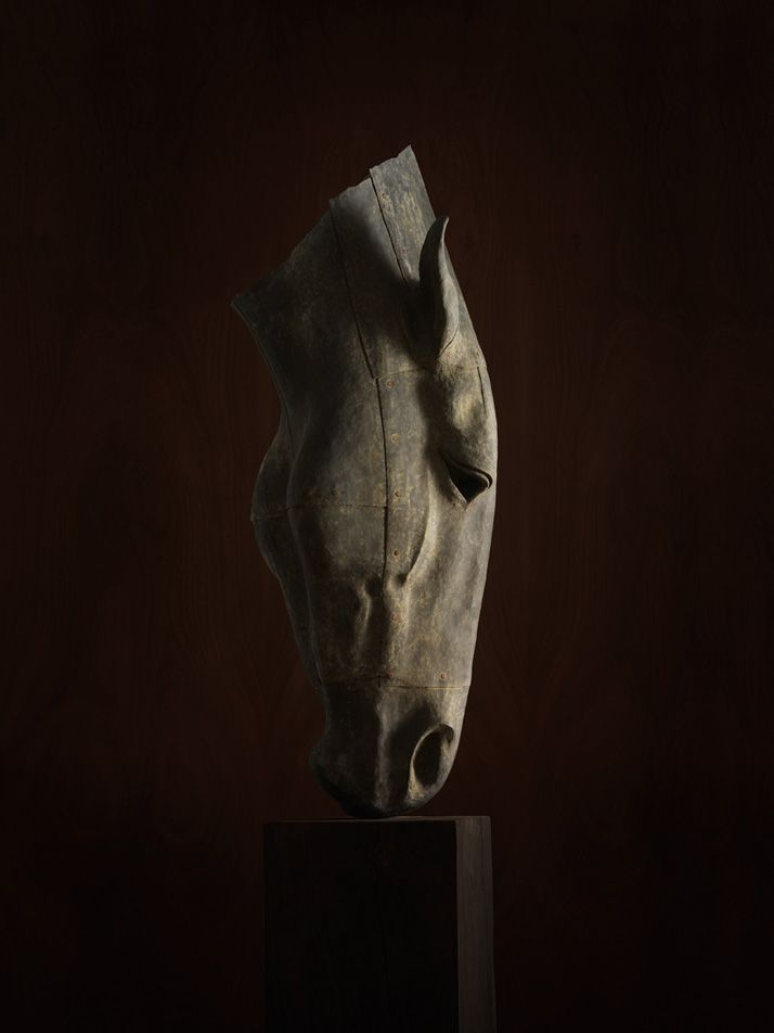 THE HORSE SCULPTURE ||
