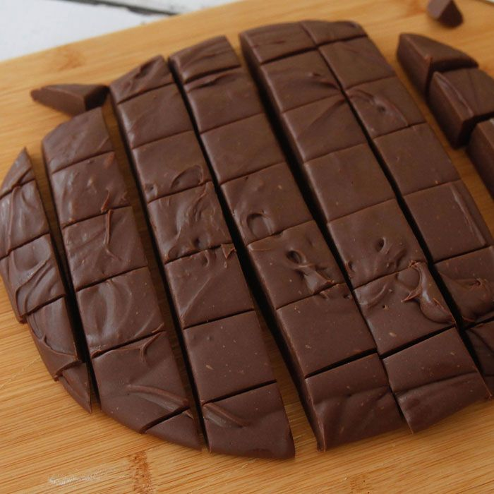 Cut 3 Minute Fudge - 400g (14 oz)  Sweetened Condensed milk,  350 g (12 oz) semi-sweet chocolate, 1 tsp vanilla extract.
