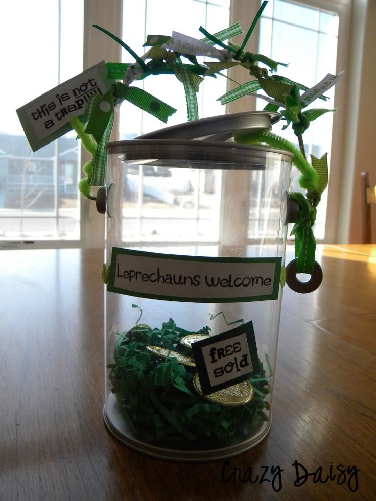 Leprechan Traps!  :)  LOVE THIS!!!  and LOVE this site!!  Ty and Kaylie are gonna LOVE this.