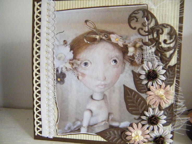 scrapkaart gemaakt van een plaatje uit het tijdschrift de Flow daar staat Gerda Schaarman Rijsdijk in die maakt prachtige kunstzinnige poppen. die plaatjes heb ik uitgeknipt om er kaarten van te maken. er komen er nog een paar aan.