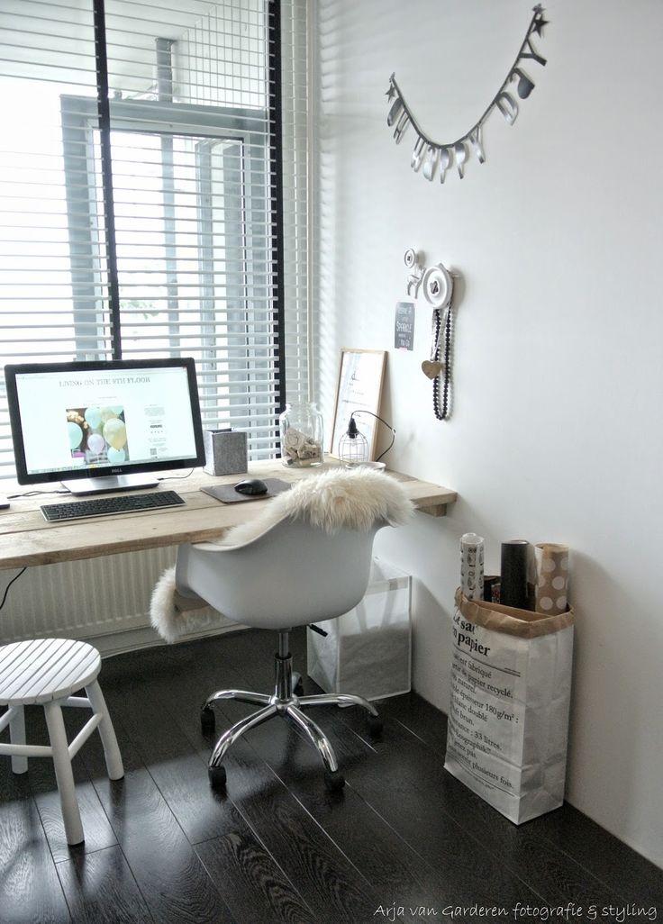 Bureau stoel op wieltjes (DOK2)..leuk op mijn nieuwe Studio Catootje-werkkamer!!