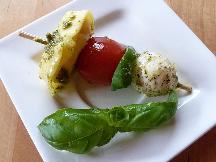 Tortellini - Spießchen, ein schönes Rezept aus der Kategorie Snacks und kleine Gerichte. Bewertungen: 103. Durchschnitt: Ø 4,3.