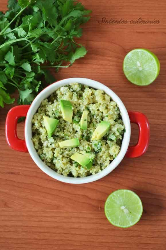 Quinoa con limón, cilantro y aguacate