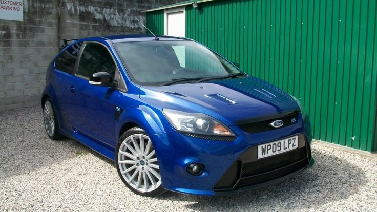 This ford focus rs 2.5, 2009, 3 dr,  lux pack 1 & 2 is for sale.