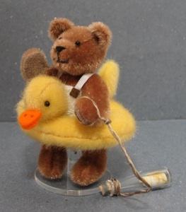 Bear made by Dinie van Duin